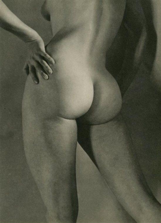 Martin Munkacsi5. Nude 1951. Via liveauctioneers