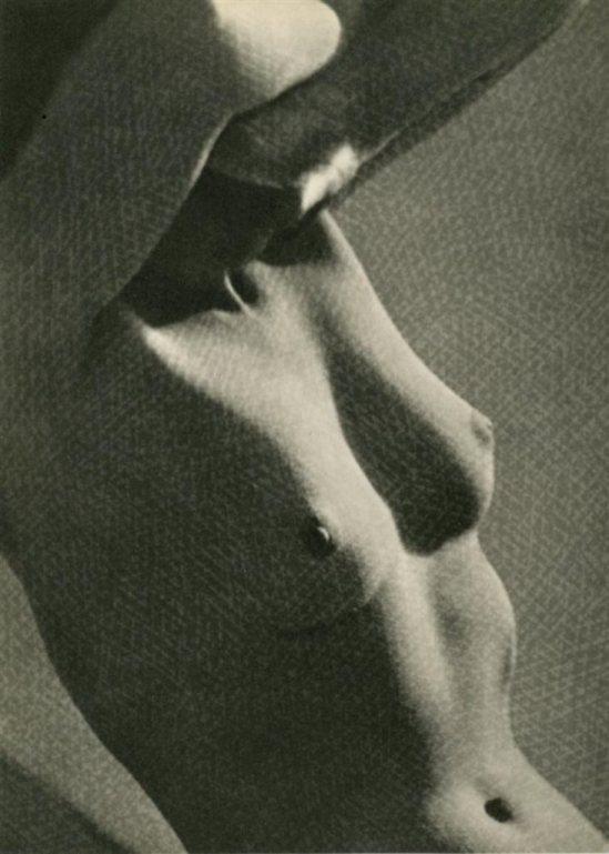 Martin Munkacsi6. Nude 1951. Via liveauctioneers