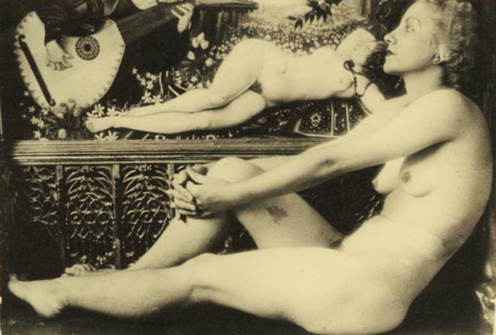 Photographe anonyme. Le joueur de mandoline 1940. Via drouot