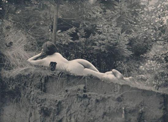 Photographe inconnu. Nude woman in woods. Via ebay