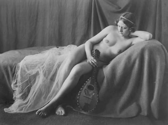 Heinz Oelmann. Reclining female nude with lute 1900. Via liveauctioneers