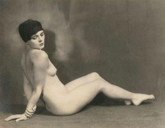 john-de-mirjian-etude-de-nu-1920-1929-via-artnet