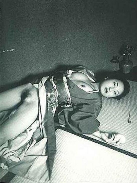 Nobuyoshi Araki. Mythology 2001. Via artnet