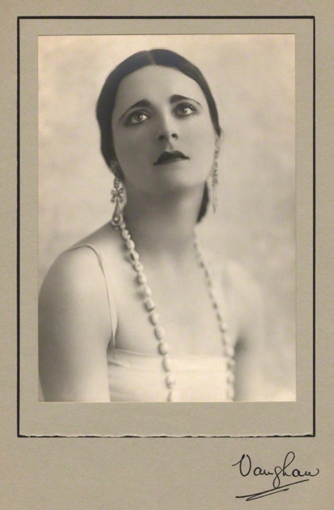 Vaughan & Freeman. Harriet Cohen 1927-1928. Via npg