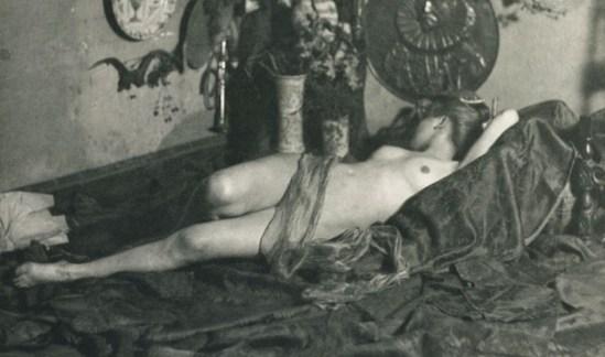 Albert-Edouard Drains. Etude de nu 1897. Via photoseed