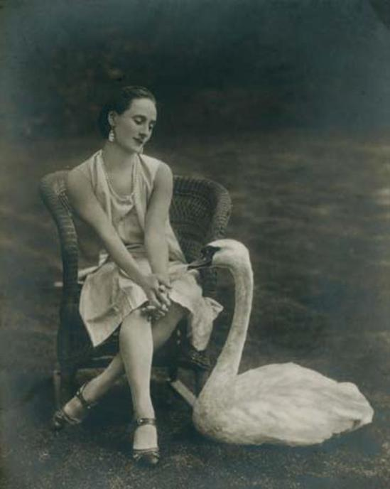 Anna Pavlova with her pet swan Jack