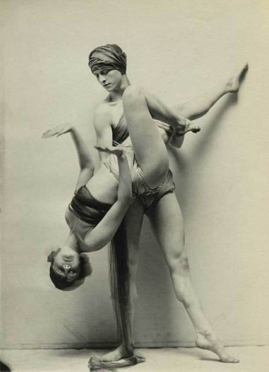 Charles Gates Sheldon. Dancers 1924. Via ithaque.gr