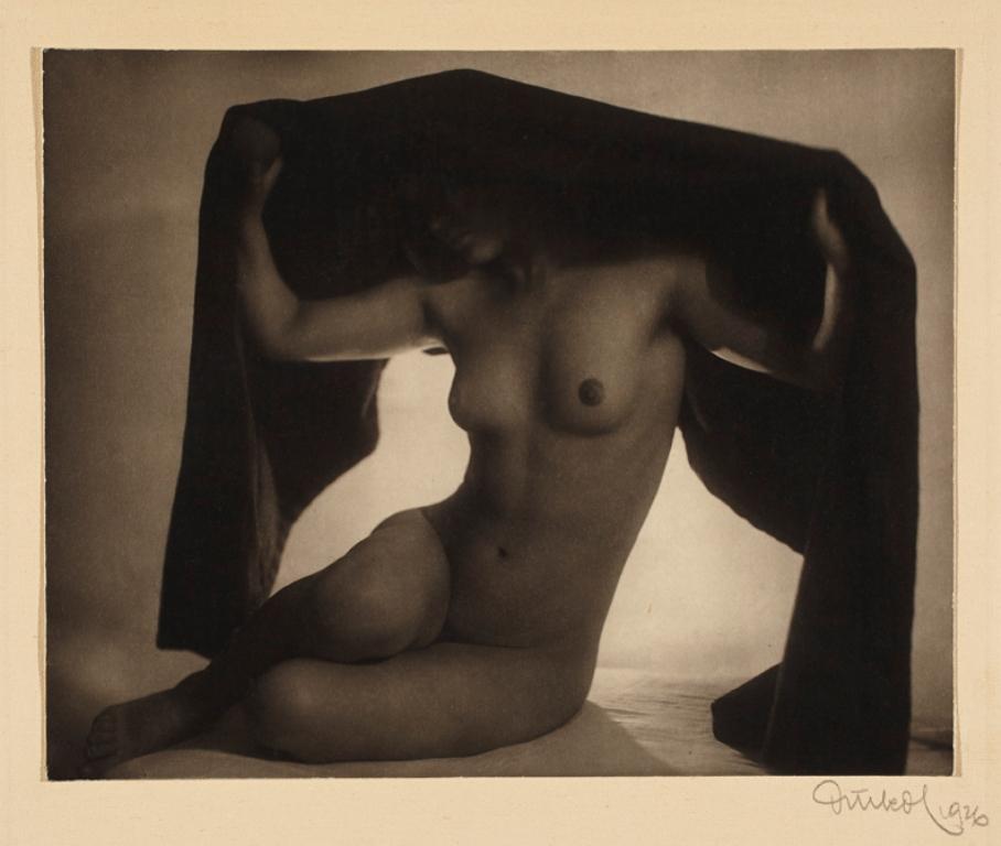 Frantisek Drtikol. Nude (with fabric) 1926. Via argo.net