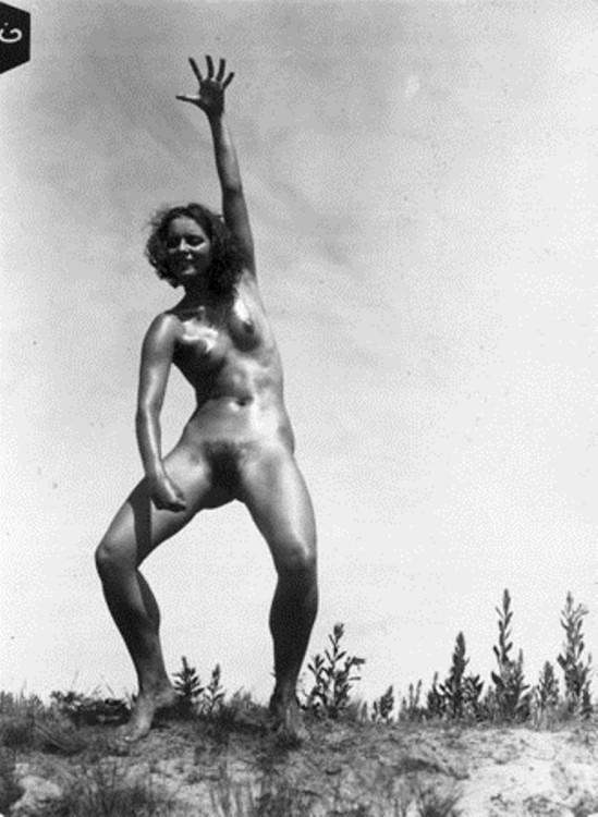 Gerhard Riebicke. Naked 1926. Via mamm
