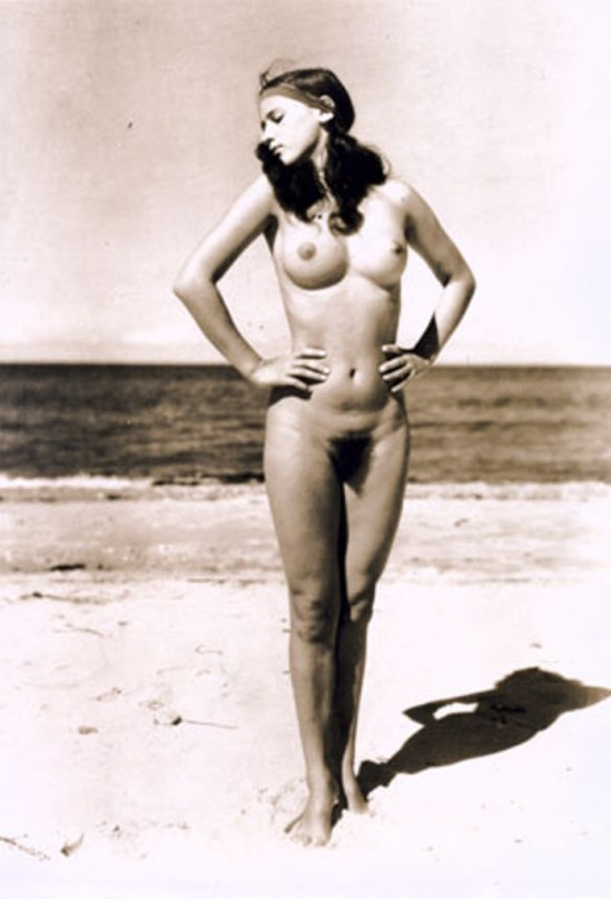 Gerhard Riebicke. Naked on Beach. 1930. Via mamm