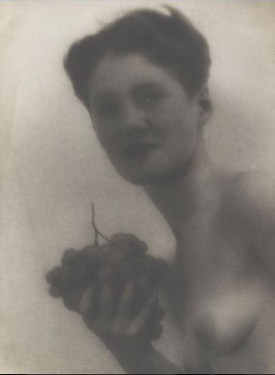 Josef Breitenbach. Sans titre 1933. Via ccpemuseum