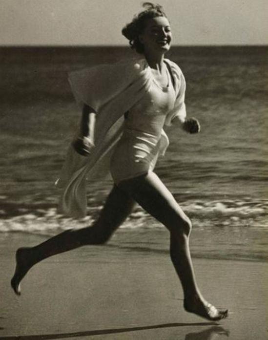 Martin Munkacsi. Silver white satin beach costume 1933. Via sothebys