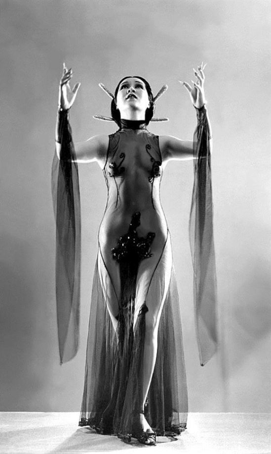Princess Ahi. A popular Chinese dancer during the 30's-era.. 1933. Via camerattasaubada on pinterest