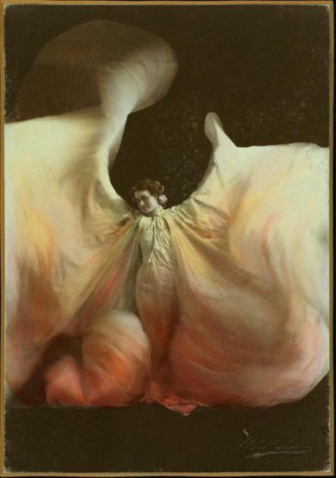 Loïe Fuller imitator, photograph by Marceau. Credited between 1890 and 1909. Via thewaltztrio on tumblr
