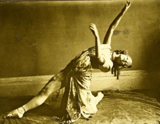 Baron Adolph de Meyer. Maria Gambarelli 1916. Via livejournal