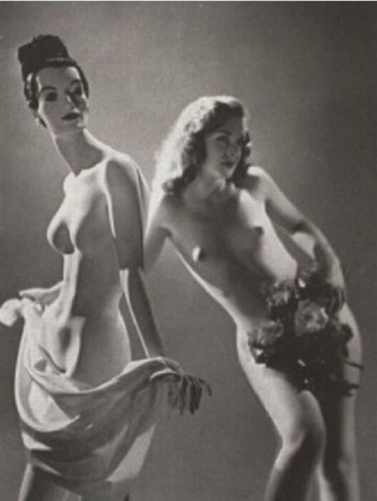 Emery P. Reves-Biro. Nude woman and mannequin 1940-1949. Via artnet