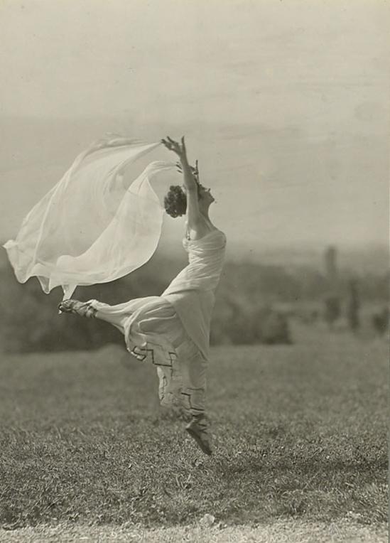 François Frédéric dit Fred Boissonnas. Entre 1911 et 1912. Via ville-ge