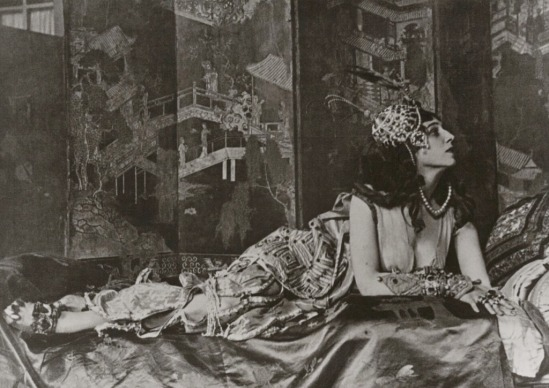 Portrait of Ida Rubinstein as Zobeide in Scheherazade 1910. Via theredlist