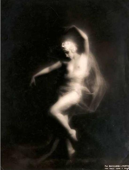 Roberto Baccarini. Weiblicher akt 1935. Via artnet