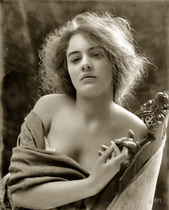 The dancer Evelyn Nesbit. Via flickr