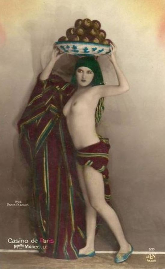 Alfred Noyer Studio. French postcard. Via historicalzg