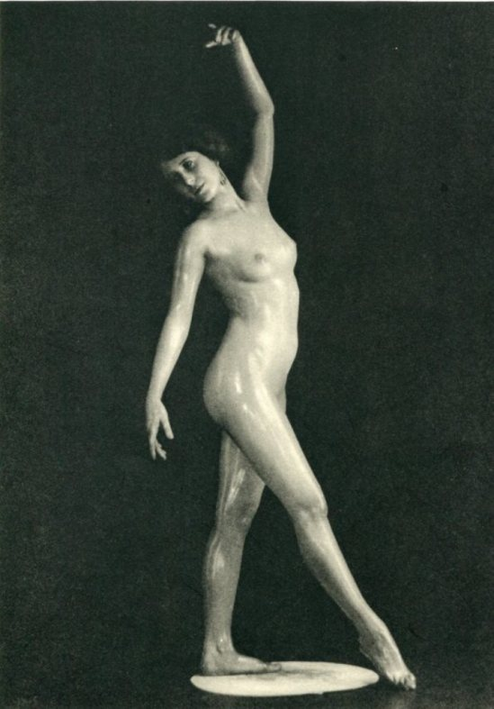 Evansmith. Statuette 1933. Via liveauctioners