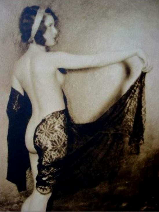 John De Mirjian. Earl Carroll's vanities 1922-1928. Via historicalzg