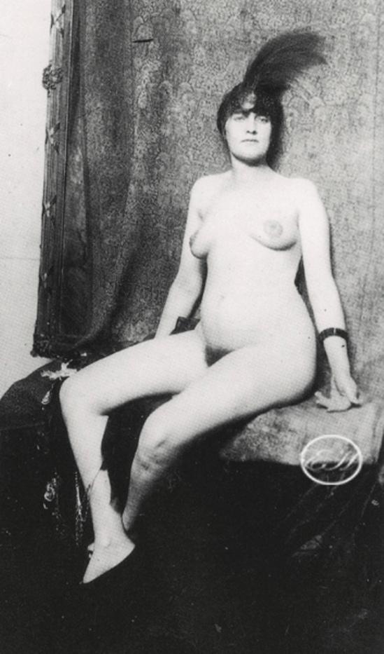 Norman Lindsay. Courtesan model 1922
