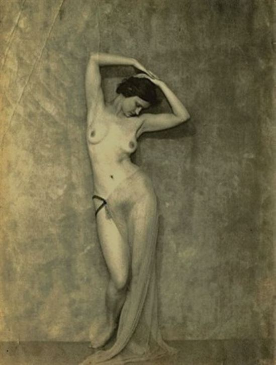 Nickolas Muray. Untitled nude  1925 . Via artnet