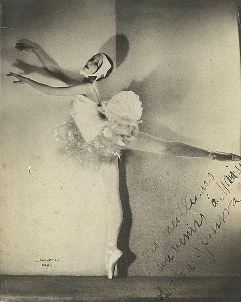 Boris Lipnitzki. Olga Spessiva in ballet costume 1934. Via wiki