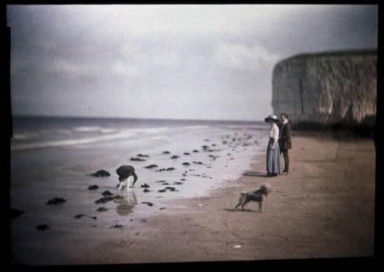 John Cimon Warburg. Margate Beach, blue girl 1908. Via ssplprints