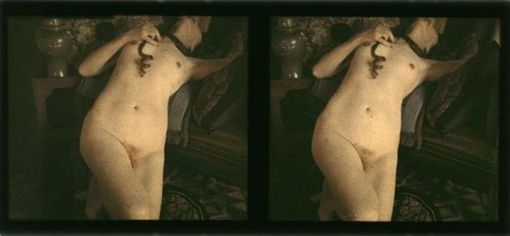 Photographe anonyme. Nu couché stéréocospique vers 1920. Autochrome. Via michelbourles