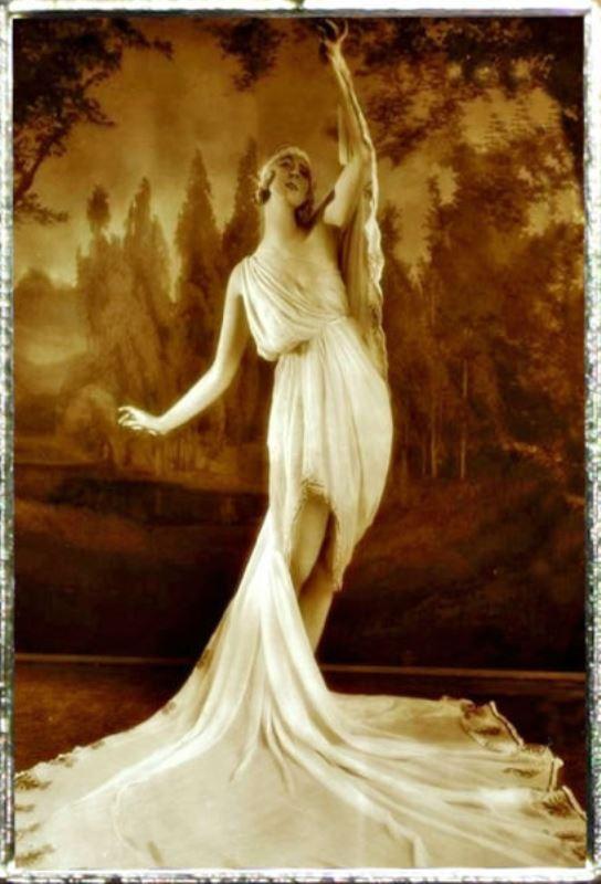 Ruth St Denis. The greek veil 1918. Via ebay