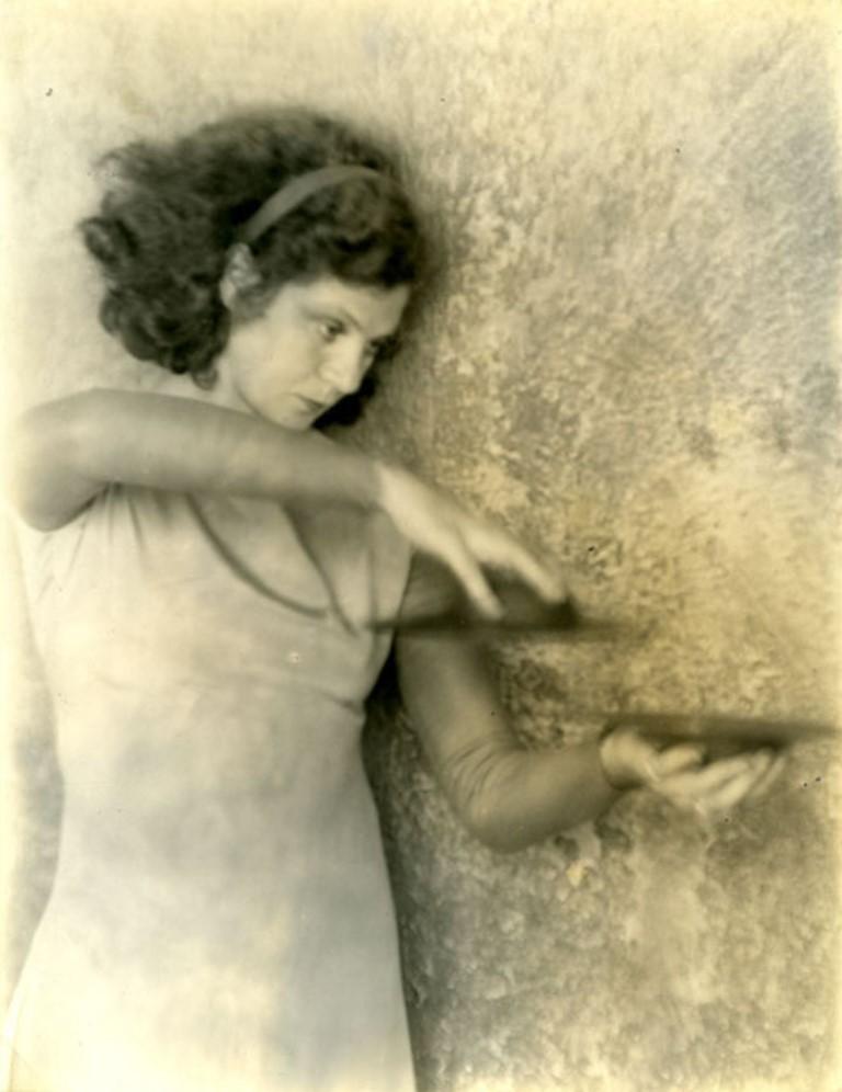 Doris Ulman. Helen Tamiris with Cymbals ® Daniel Nagrin