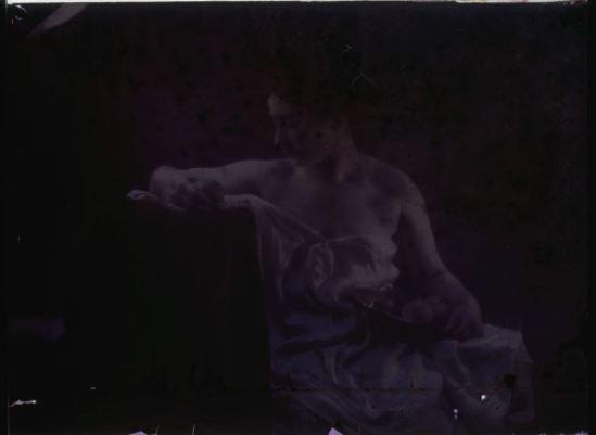 Ernest-Louis Lessieux. . Femme avec plateau d'orange (titre factice). Première moitié 20e siècle © Alienor.org