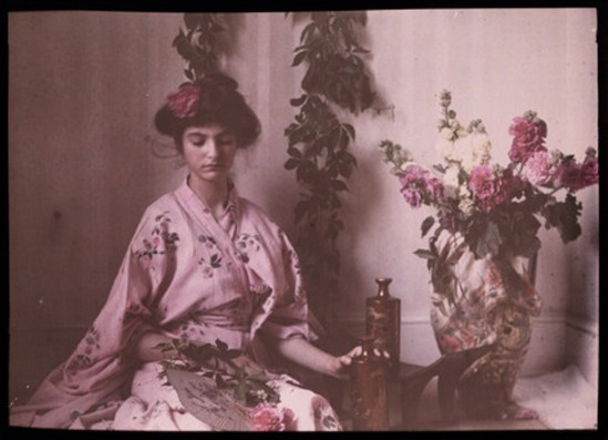 Etheldreda Janet Laing. Janet Laing in kimono 1908. Autochrome ® National media museum
