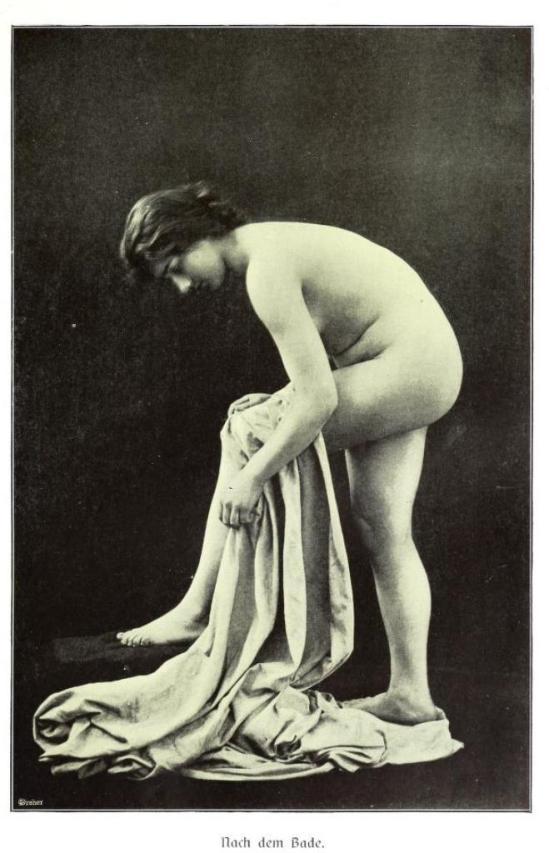 From the book Weibliche Schönheit. Kritische Betrachtungen über die Darstellung des Nackten in Malerei und Photographie3. Dr. B