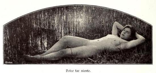 From the book Weibliche Schönheit. Kritische Betrachtungen über die Darstellung des Nackten in Malerei und Photographie5. Dr. B
