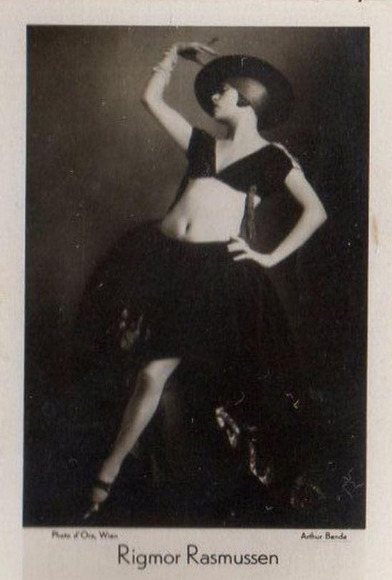 Madame d'Ora et Arthur Benda. Rigmor Rasmussen. Famous dancer vers 1933. Via ebay