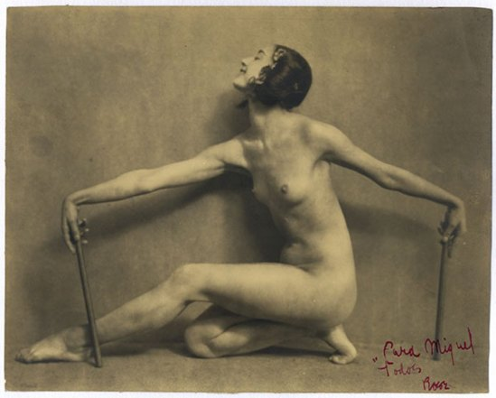 Nickolas Muray. Rosa Rolando(Rosa Covarrubias) in danse de Samoa 1921. Via catarinaudlap