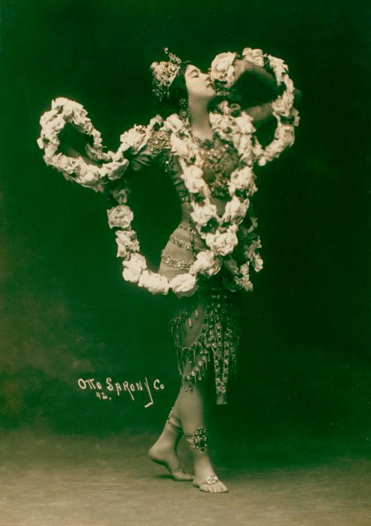 Otto Sarony. Ruth St. Denis in Radha 1908. Via nypl
