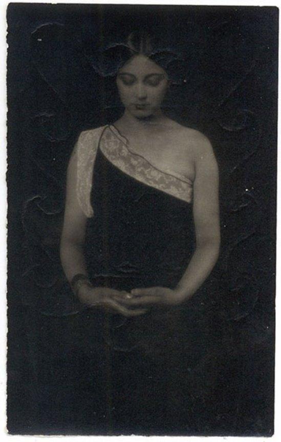 Tina Modotti. Rosa Rolando(Rosa Covarrubias) . Via catarinaudlap
