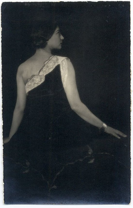 Tina Modotti. Rosa Rolando(Rosa Covarrubias)1 . Via catarinaudlap