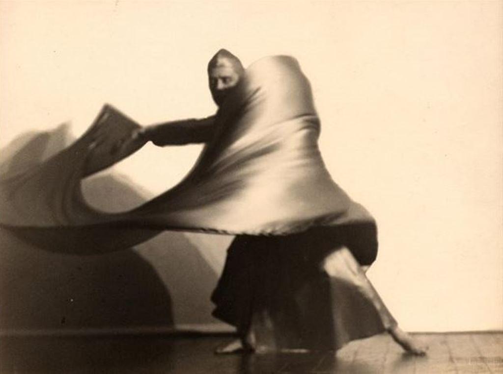 Charlotte Rudolph. The dancer Mary Wigman 1928. Via artnetjpg