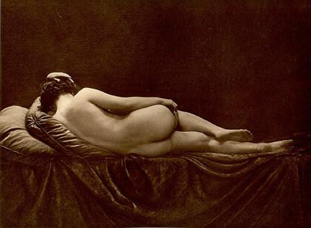 From La Beauté de la Femme2. Album du Premier Salon Internationale du Nu Photographique Paris. Daniel Masclet 1933