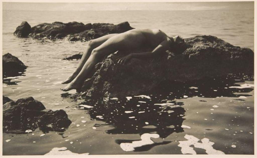 Rudolf Koppitz. Anna Koppitz 1923. Via artnet