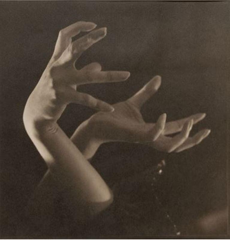 Rudolf Koppitz. Hand study 1920. Via artnet