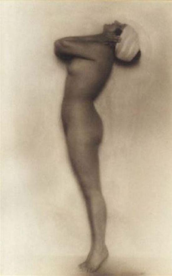 Rudolf Koppitz. Nu au turban 1920. Via artnet