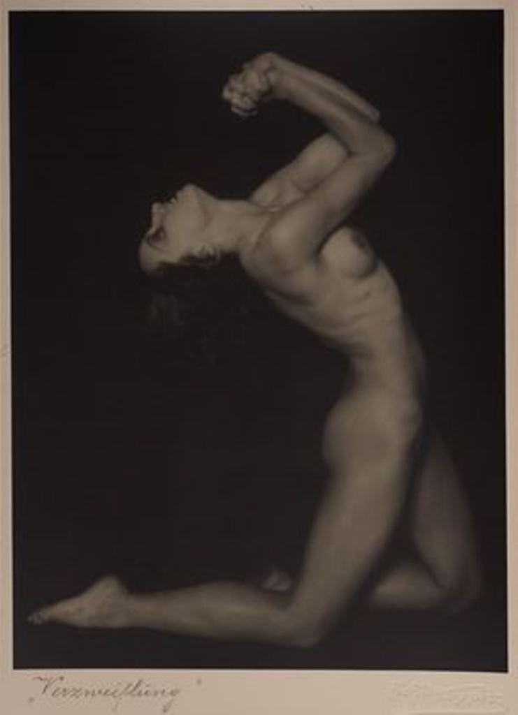 Rudolf Koppitz.Verzweiflung 1928. Via artnet
