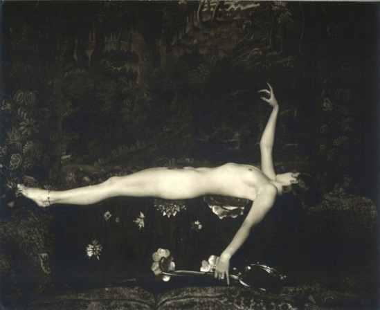 Alfred Cheney Johnston. Doris Podmore 1920-1929. Via historicalzg